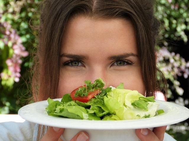 Genügend wichtige Nährstoffe durch Nahrungsergänzungen aufnehmen