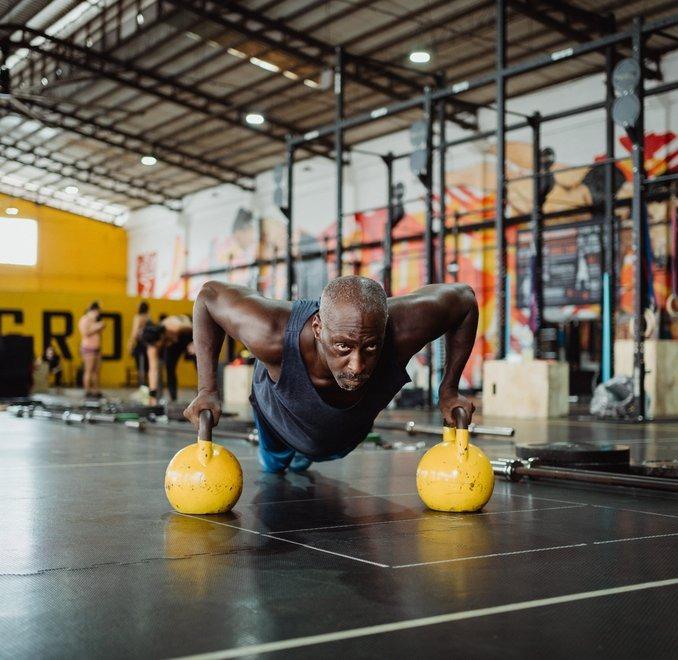 Krafttraining kann sich förderlich auf den Muskelaufbau auswirken