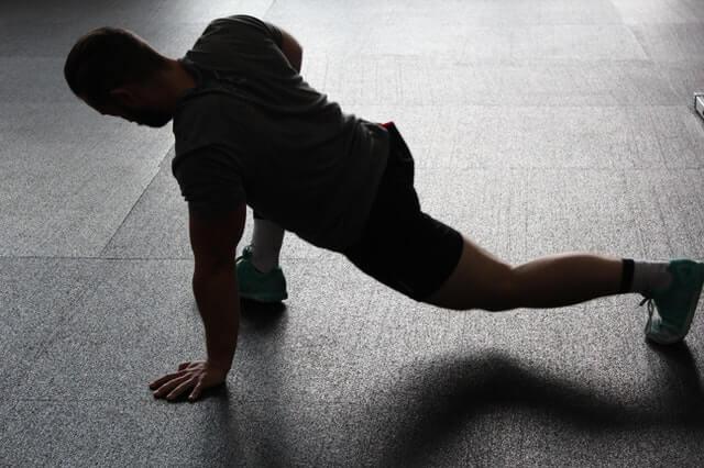 Hilft dehnen gegen Muskelkater?