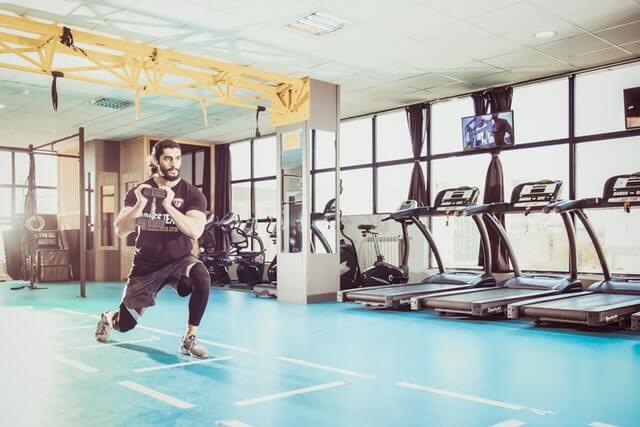 Trainingspausen einlegen oder andere Muskelgruppen trainieren