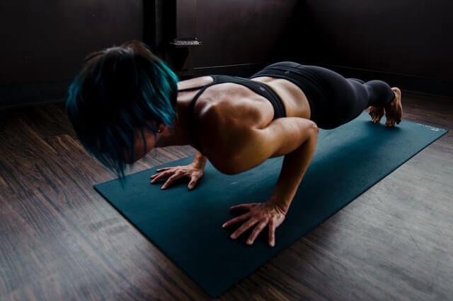 Isometrische Übungen trainieren