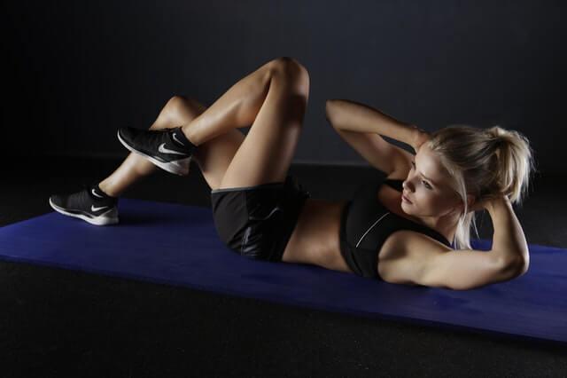 Zu Hause effektiv trainieren und Muskeln aufbauen